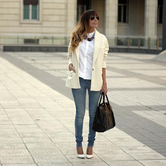 blogger bag jeans white shirt jewels blazer rebel attitude statement necklace