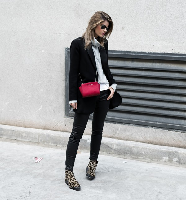 ms treinta blogger jacket sweater jeans shoes bag blazer black jacket black pants ankle boots fall outfits