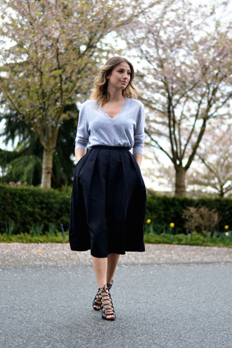 skirt light blue top black midi skirt metallic strappy heels
