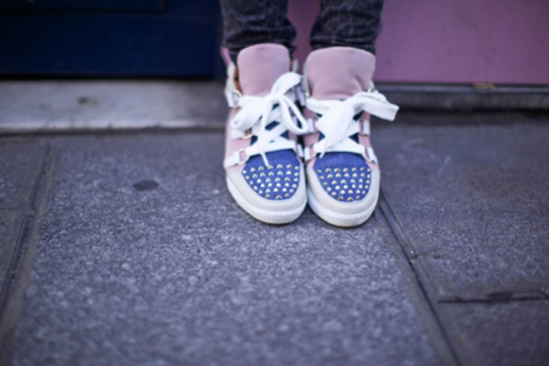 ♛ ◙ Swag ! ◙ ♛ - Faqe 2 P90av1-l-610x610-shoes-sneakers-blue-pink-beautiful-cute-girl-girly-fashion-swag