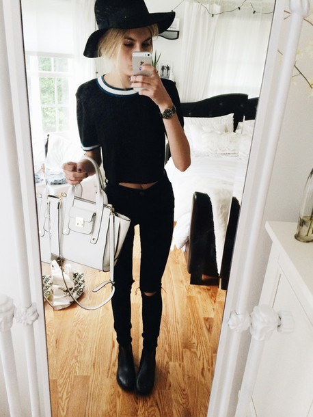 blouse top outlined b&w bag black and white grunge fedora on point clothing skinny jeans jeans t-shirt black white stripes ribbed crop tops black and white t-shirt ribbed crop top
