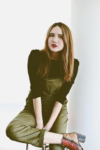 color me nana blogger overalls khaki boots