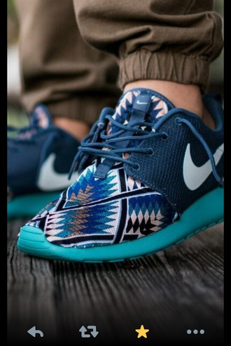 brown shoes shoes tribal pattern blue light blue nike cool nike running shoes nike air sexy running shoes chill