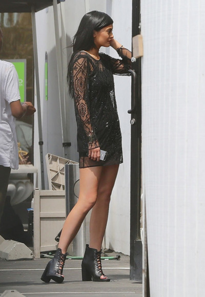 dress little black dress shoes black dresses kylie jenner black shoes