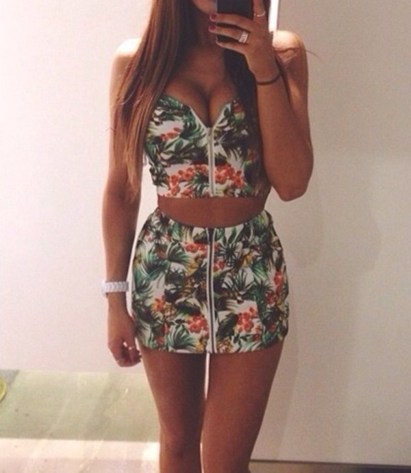 crop tops zip bustier floral top floral dress mini dress summer outfits jumpsuit top tropical gorgeous cute summer beautilful skirt flower shirt fashion flowered style shorts dress two-piece tropical romper sexy tumblr green 2 piece skirt set two piece dress set palm tree print