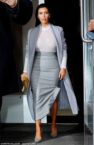 coat skirt kim kardashian grey coat grey skirt heels shoes white top bag grey trench coat
