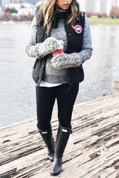 crystalin marie,blogger,sweater,leggings,jacket,hat,gloves,shoes