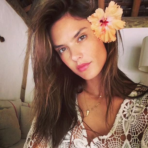 dress summer dress summer outfits alessandra ambrosio lace dress hair accessory