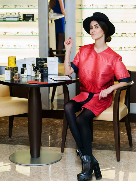 tina sizonova blogger coat sweater skirt red