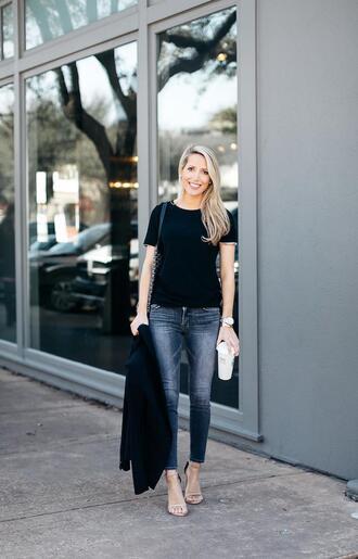 t-shirt krystal schlegel blogger jacket shoes jeans jewels bag blazer skinny jeans black t-shirt sandals