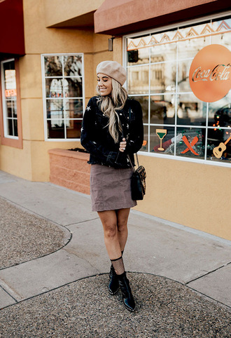 jacket tumblr black jacket stars skirt mini skirt grey skirt socks fishnet socks boots black boots ankle boots beret hat