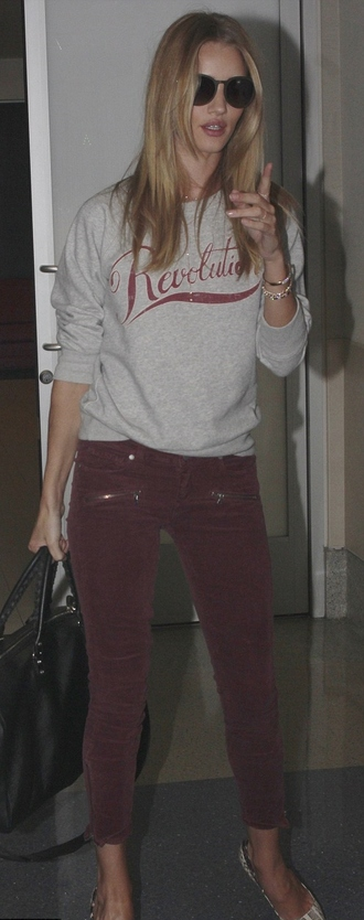 sweater jeans rosie huntington-whiteley sunglasses