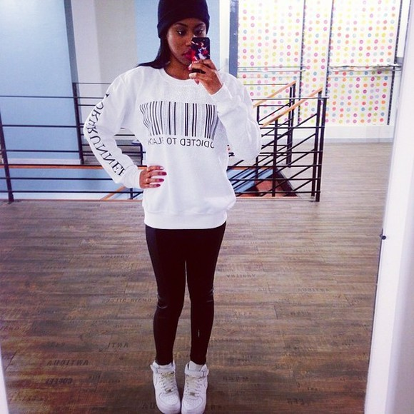 sweater pull white black sweat instagram