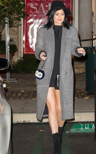 kylie jenner coat grey coat black boots keychain