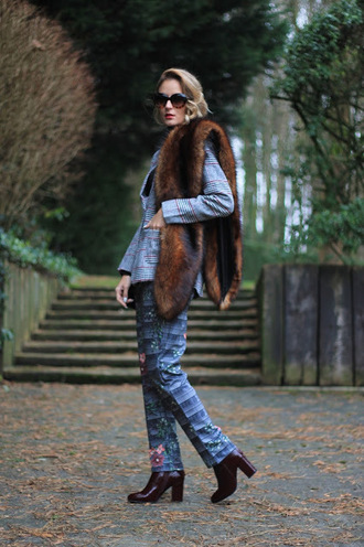 from brussels with love blogger jacket sunglasses top shoes bag fur scarf blazer winter outfits