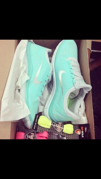 shoes mint green nike free run