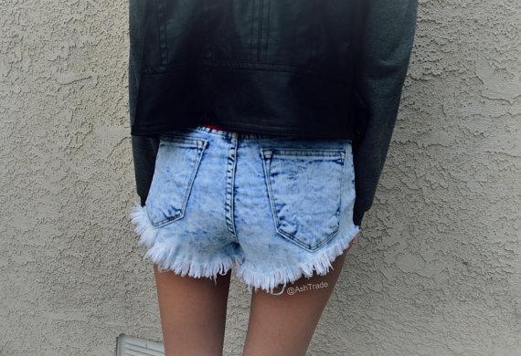 High waisted denim shorts blue 'acid'