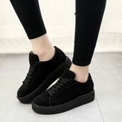 shoes,black,all black everything,grunge,it girl shop,platform shoes,sneakers,creepers,hipster
