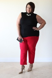 pants,plus size interview outfit,curvy,plus size,plus size top,black top,work outfits,office outfits,red pants,sandals,mid heel sandals,clutch,sleeveless,sleeveless top,necklace