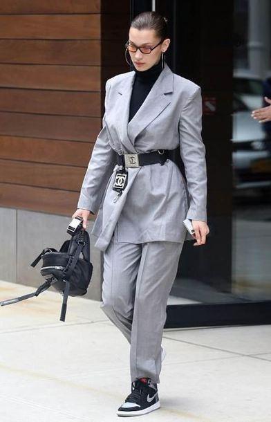 pants blazer suit grey bella hadid model model off-duty streetstyle