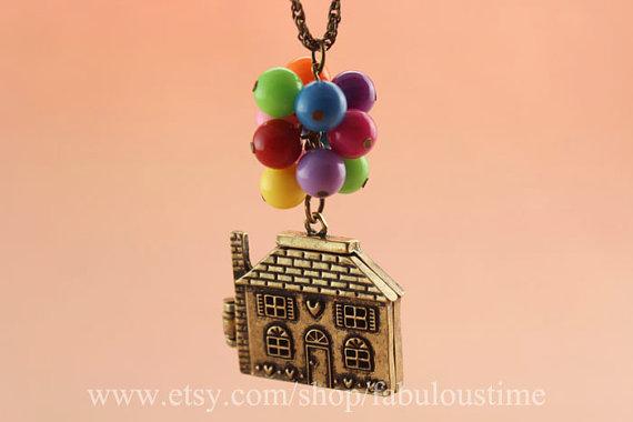 Flying houseflying dreamsbeadwork necklaceretro von fabuloustime
