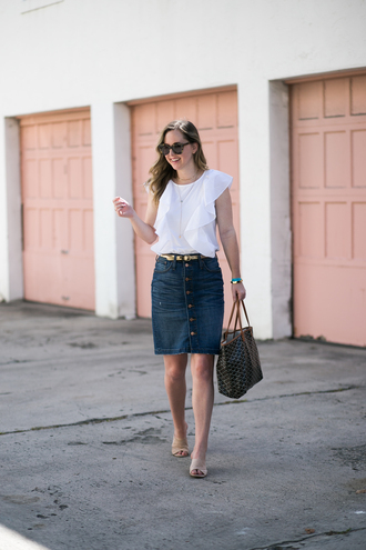 miami + dallas based lifestyle and fashion blog blogger top t-shirt skirt jewels sunglasses belt bag button up skirt denim skirt ruffle tote bag spring outfits