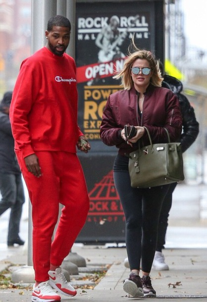 jacket bomber jacket leggings streetstyle khloe kardashian fall outfits