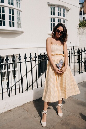 skirt tumblr yellow midi skirt gingham gingham skirt matching set top crop tops tube top sandals wedges wedge sandals bag shoes sunglasses