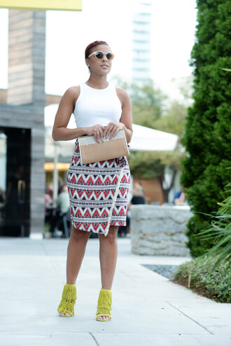 fashionably lo blogger skirt shoes top sunglasses bag