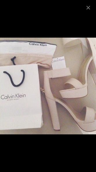 shoes nude nude high heels beige beige high heels kim kardashian kylie jenner