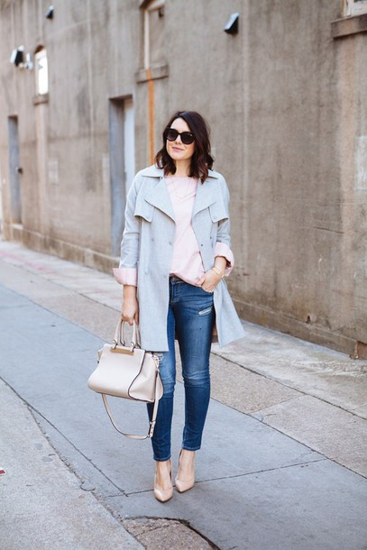 kendi everyday blogger trench coat light blue blue coat coat blouse shoes sunglasses jewels make-up bag