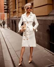 coat,military style,belt,satin,white coat,pumps,sunglasses,handbag
