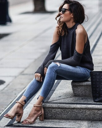 fashionedchic blogger sweater jeans shoes bag cut out shoulder sandals skinny jeans grey sweater spring outfits