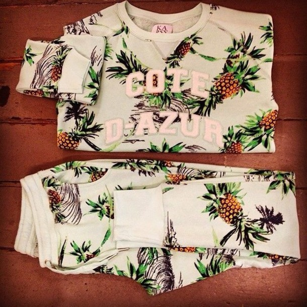 blouse sweater gorgeous pineapple print