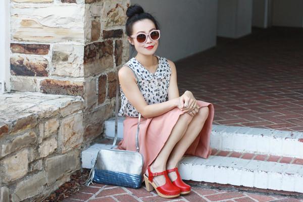 it's not her it's me t-shirt blouse skirt bag shoes jewels sunglasses