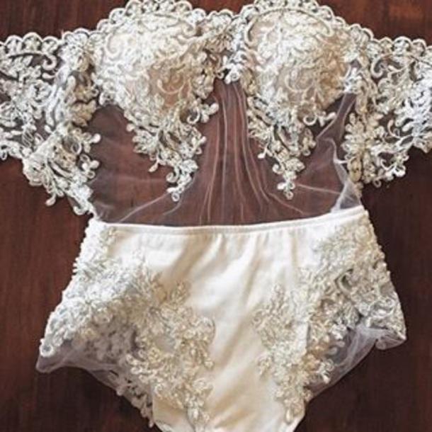 underwear white