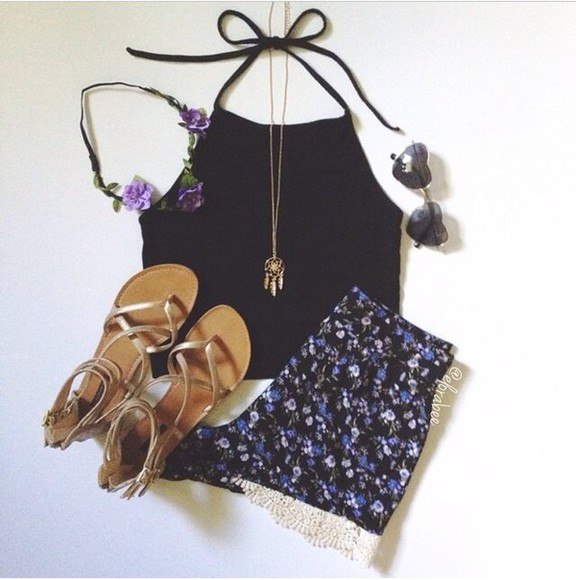 floral headband floral shorts black shirt