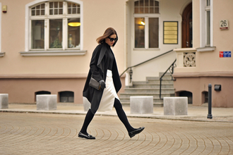 shiny sil blogger tights shoes skirt sunglasses gloves bag