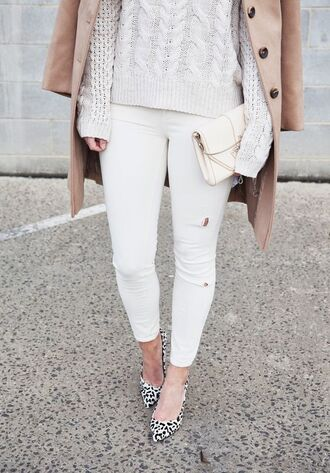 jeans white and beige outfit white and beige tumblr white jeans sweater white sweater coat beige coat winter outfits winter look pumps animal print high heels animal print bag white bag
