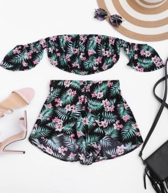 romper girly two-piece shorts crop tops crop cropped off the shoulder off the shoulder top tropical