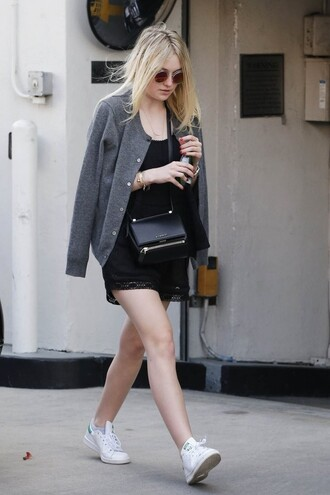 shorts top dakota fanning jacket
