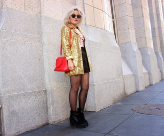 broke hell blogger gold jacket gold sequin jacket red bag
