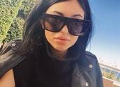 sunglasses,kylie jenner,black sunglasses,eyewear,kardashians,matte black,matte,kylie jenner sunglasses,kylie jenner sunglasses black big,celine black square kim kardashian