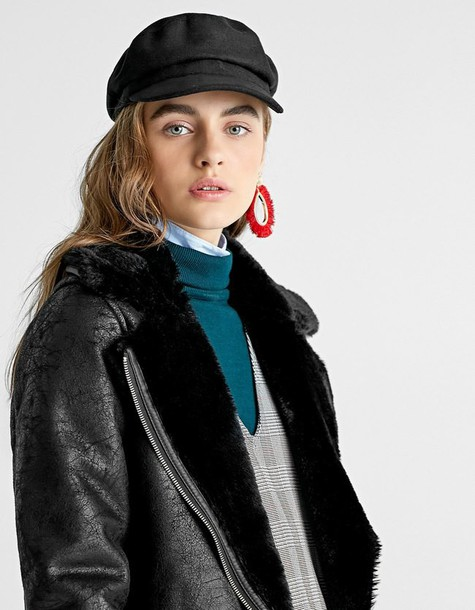 Stradivarius hat black