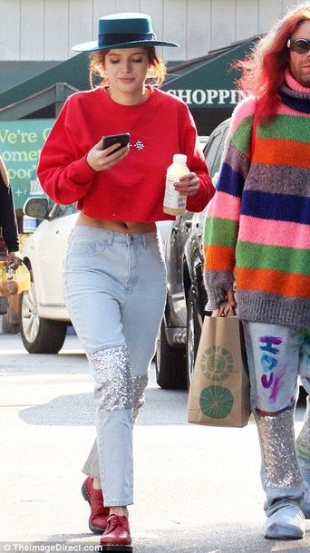 jeans cropped sweater bella thorne streetstyle red cropped hoodie