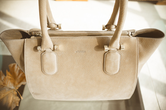 my blonde gal blogger bag camel suede suede bag