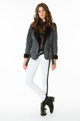 pants jeans blogger beautiful white white pants black black pants black and white black and white pants