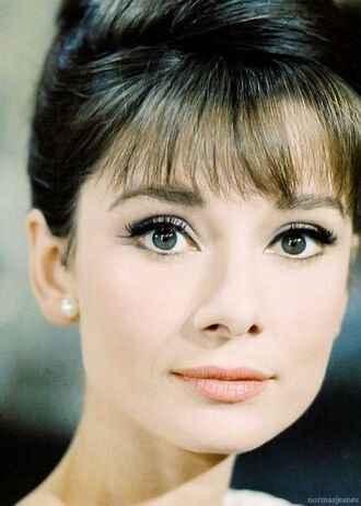 make-up audrey hepburn natural makeup look nude lipstick hairstyles bangs pearl earrings beautiful pretty