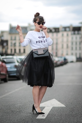 meet me in paree blogger skirt top shoes bag sunglasses