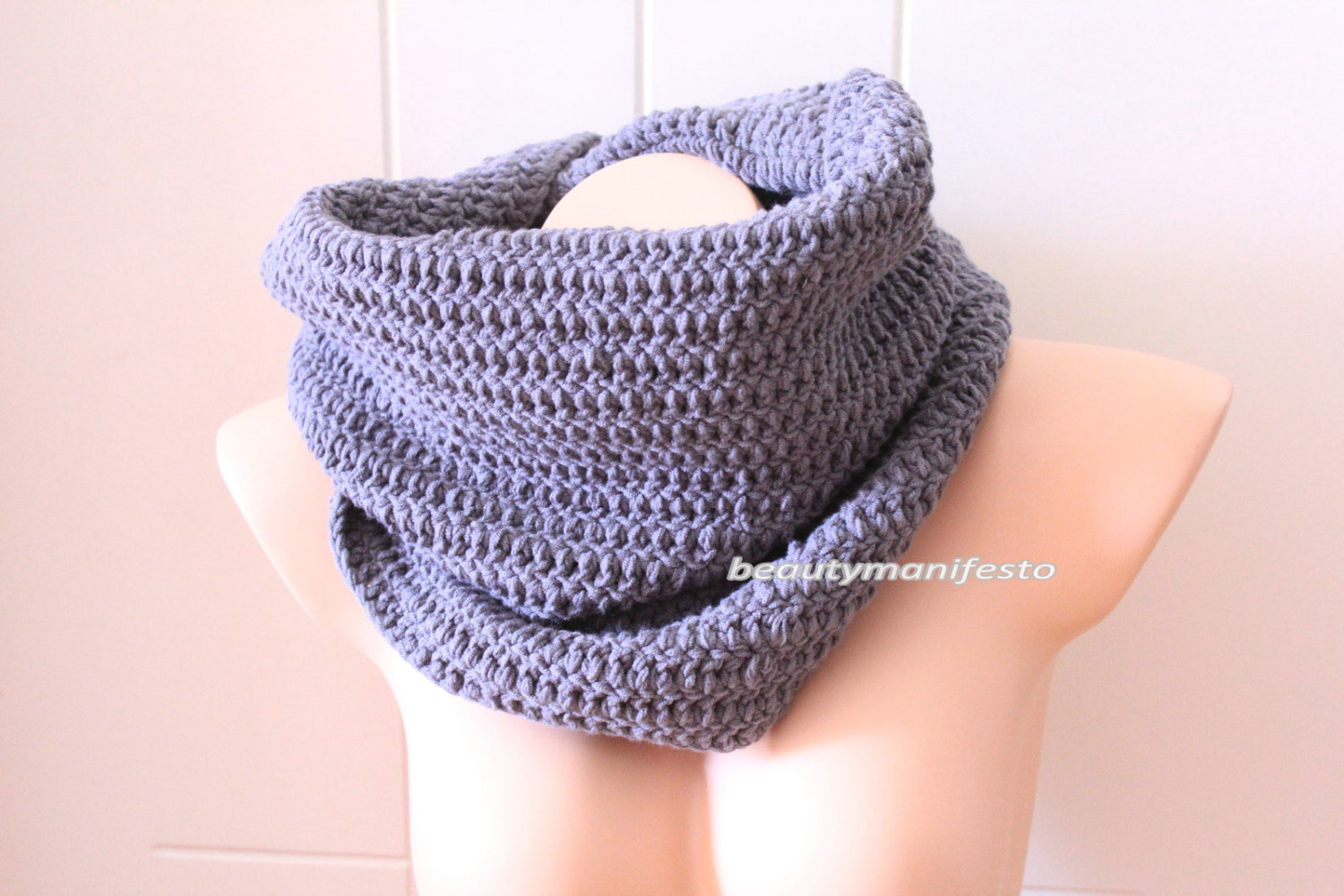 Oversized knit scarf,oversized chunky infinity scarf in grey color,unisex crochet grey infinity scarf,custom orders welcome